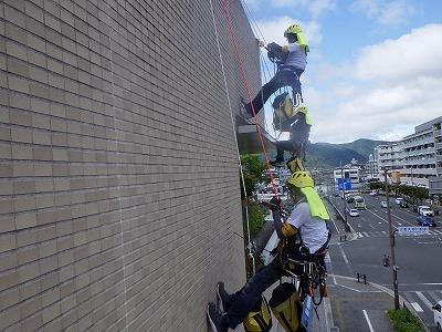 ロープアクセス外壁タイル調査